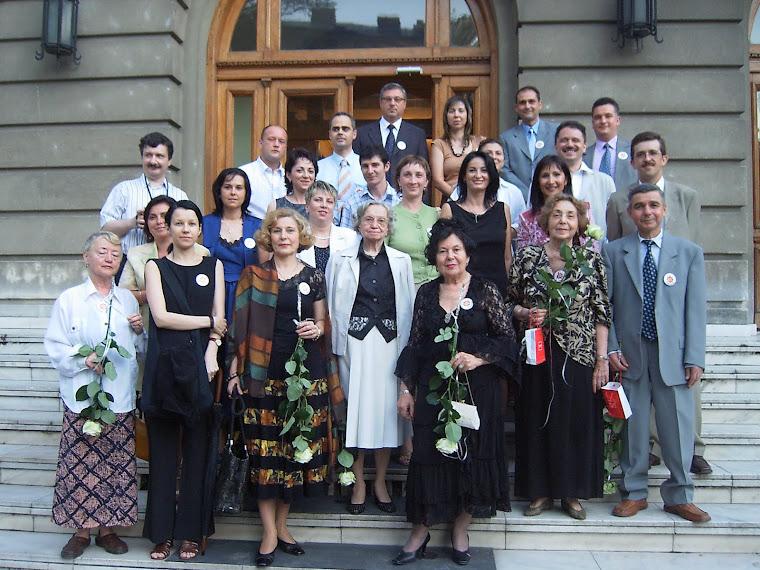 Clasa 9-12 V 1982-1986 in 7 iulie 2006 liceul N Balcescu Bucuresti, Romania