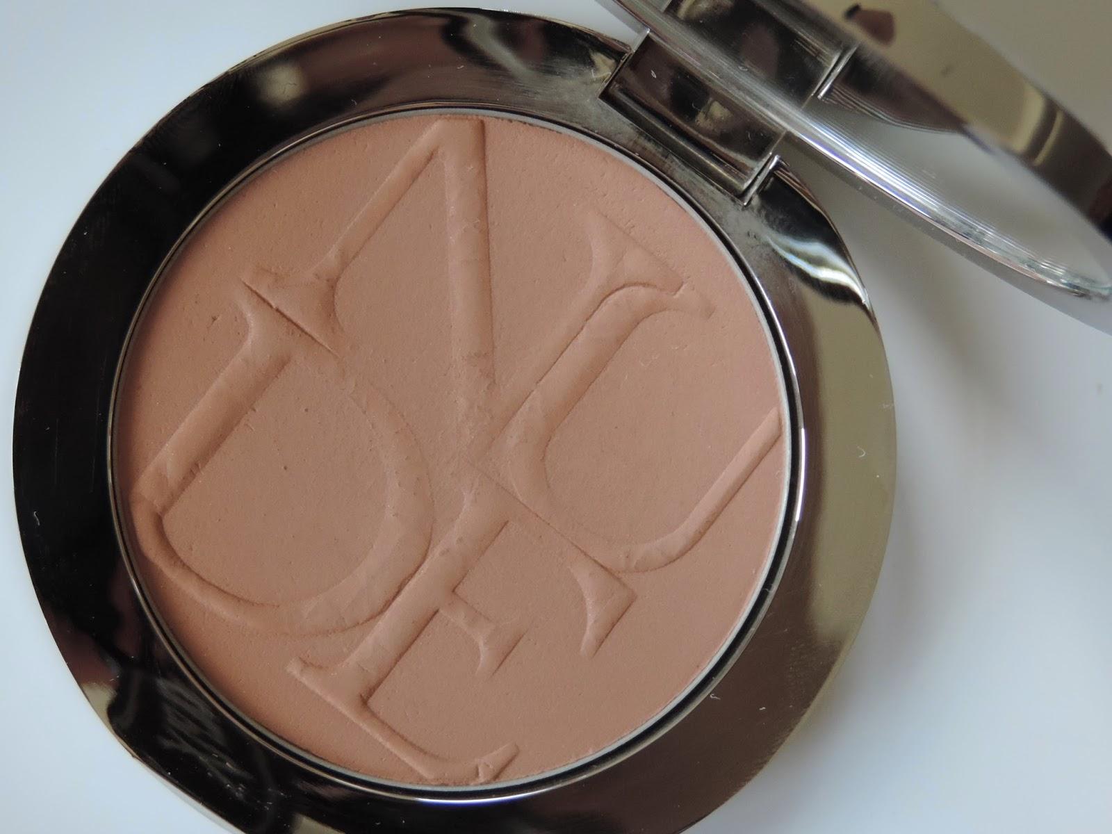 Dior Skin Nude Tan in Amber 002