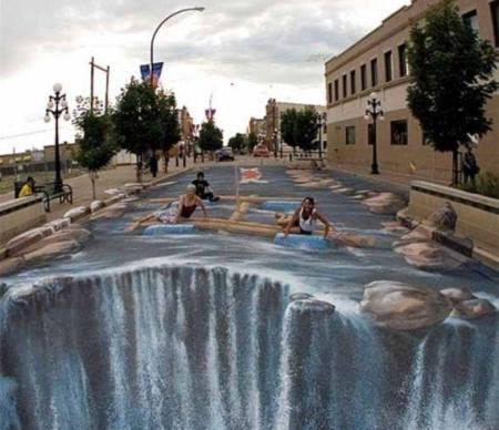 seni 3 dimensi Sungai di jalan trotoar
