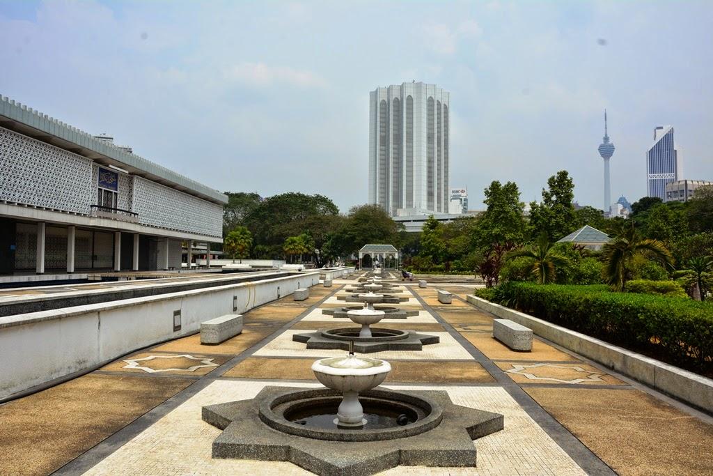 National Mosque Kuala Lumpur sculptures