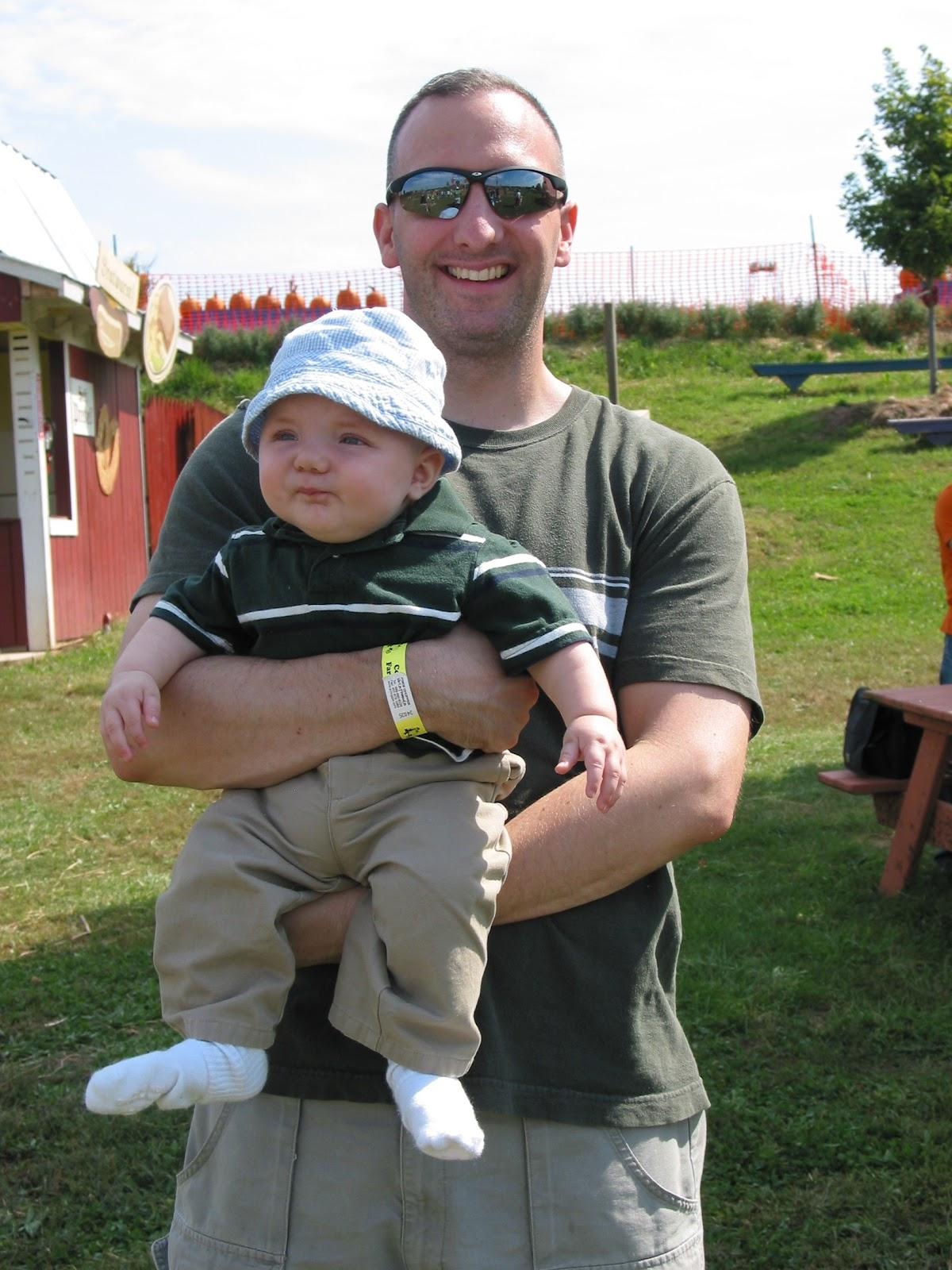 6d1dec439f53 Beltway Babywearers  Babywearing Triplets  Forward Facing
