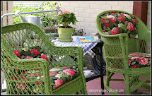 Spray-Paint Wicker Outdoor Furniture