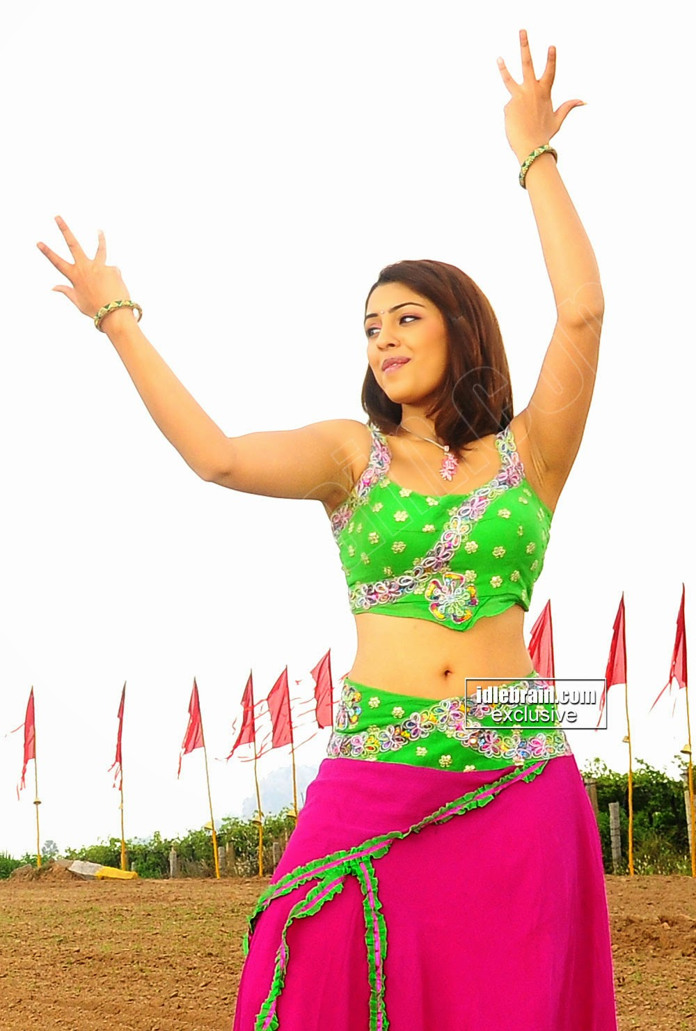Richa-Gangopadhyay-Hot-Stills-from-Mirap