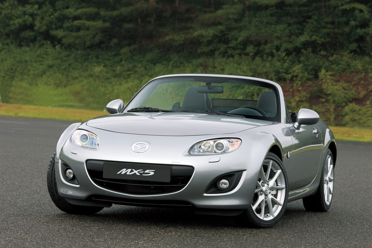 Car Acid  Mazda MX 5 Review