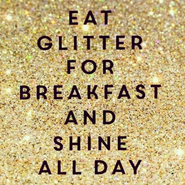 Instagram @lelazivanovic.Glitter quotes.