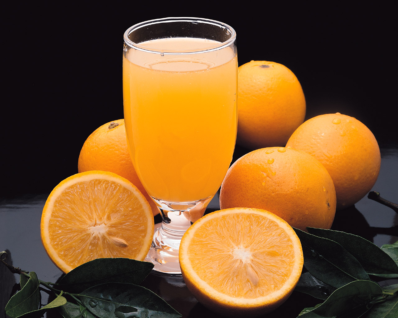 http://2.bp.blogspot.com/-1qfJEiws_SI/TdCaZD2gCuI/AAAAAAAAA7k/Vd_T9Vt06O0/s1600/Nutritional%20Information%20Of%20Orange%20Juice.jpg
