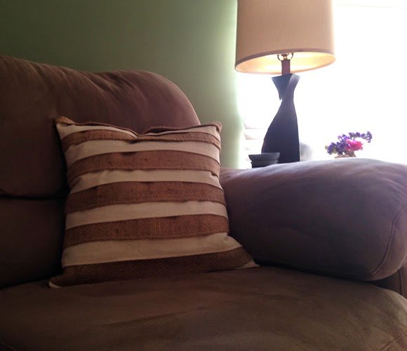 DIY Scrap Burlap Pillow - Lina and Vi