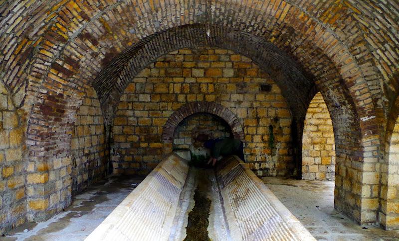 Piscero - der antike Waschtrog in Castelluccio Valmaggiore (Monti Dauni - Apulien)