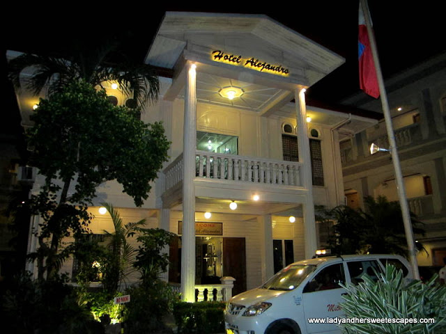 Hotel Alejandro Tacloban in Leyte Tour