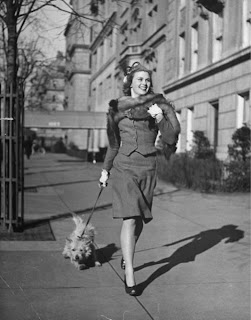 1940s fashion woman