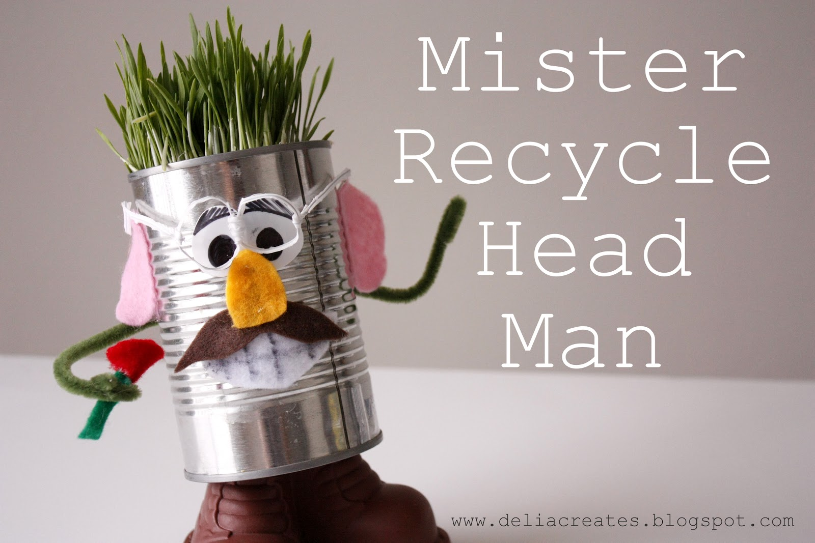 Mr recycle head man - Recycled can art projects ...