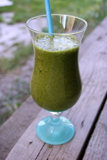 Pyszny koktajl, green koktajl, warzywny koktajl, zdrowy koktajl, zdrowe śniadanie, zdrowa przekąska, zdrowe przepisy, koktajl ze szpinakiem, szpinak przepisy