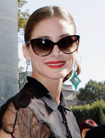 Square Face Shaped Olivia Palermo with Sunglasses