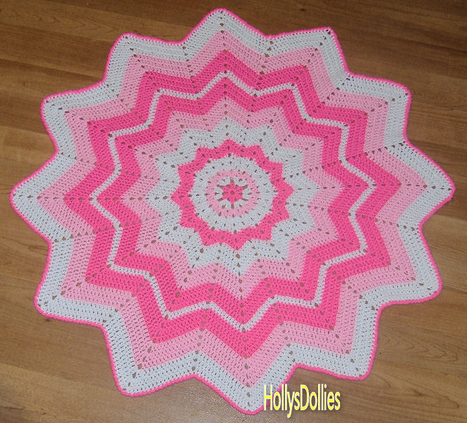 Hollys Crafts Blog: Crocheted Round Ripple Baby Blanket in ...