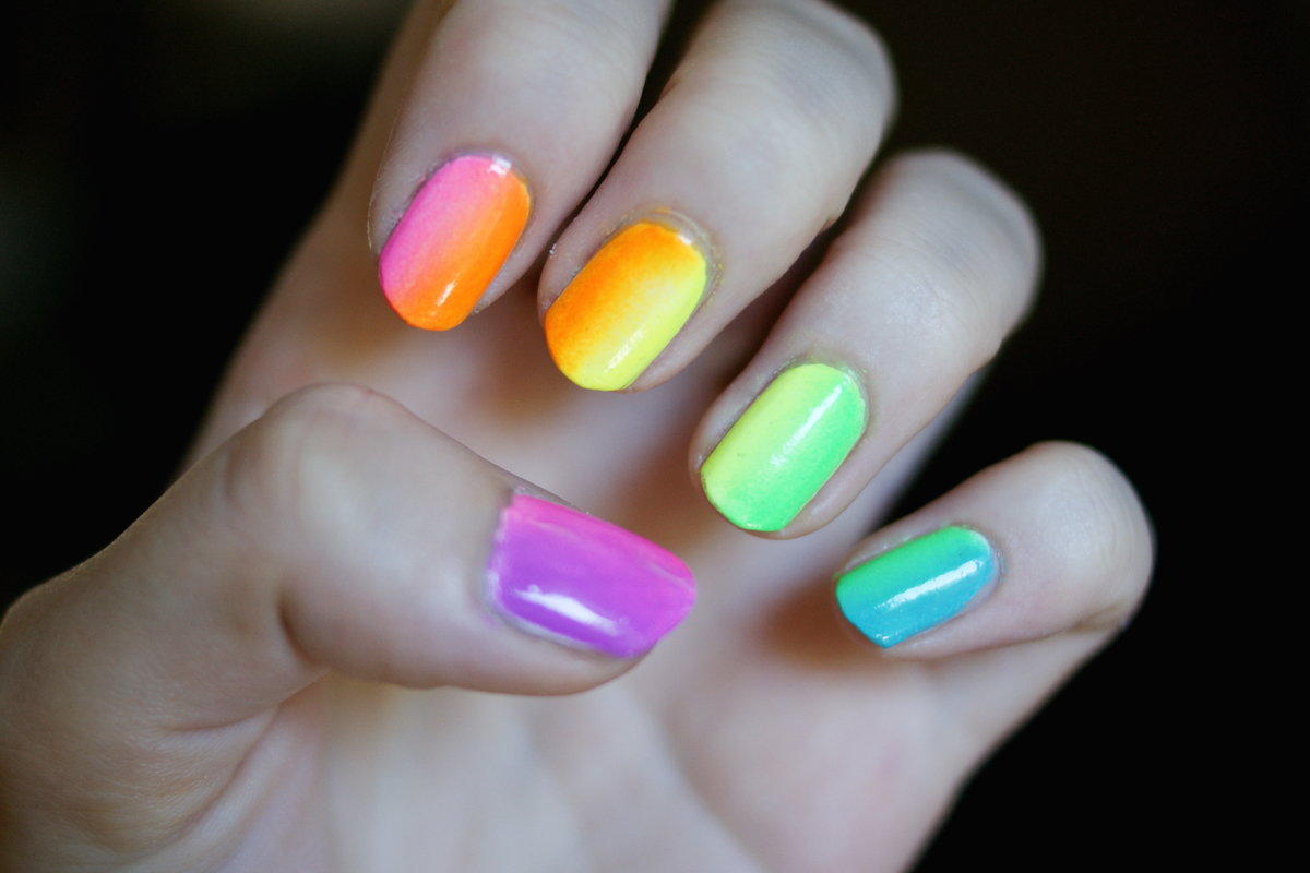 lipstick + lacquer: Nail of the Day: Neon Rainbow Ombre