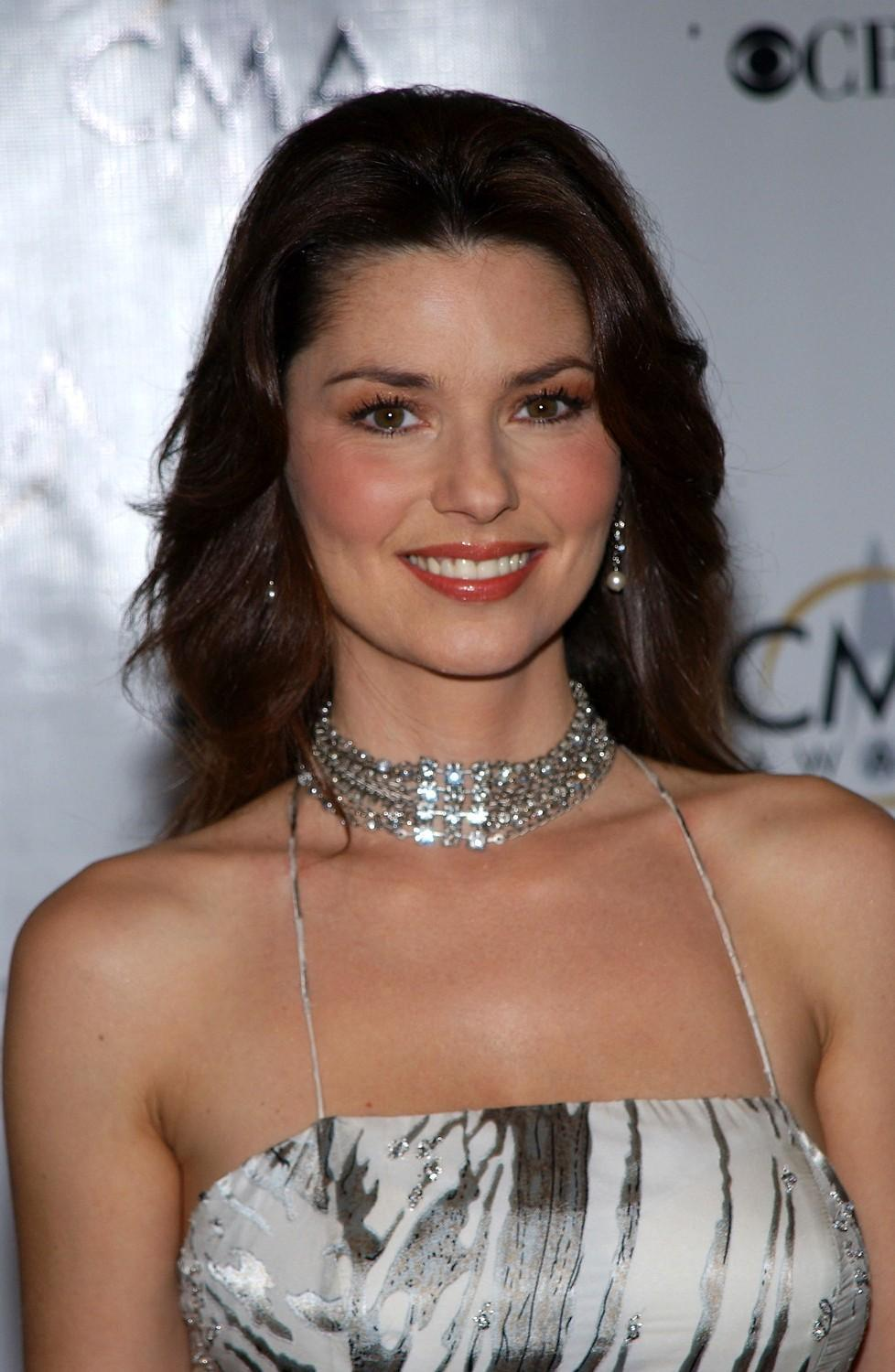 Shania Twain hot hd wallpapers   HIGH RESOLUTION PICTURES