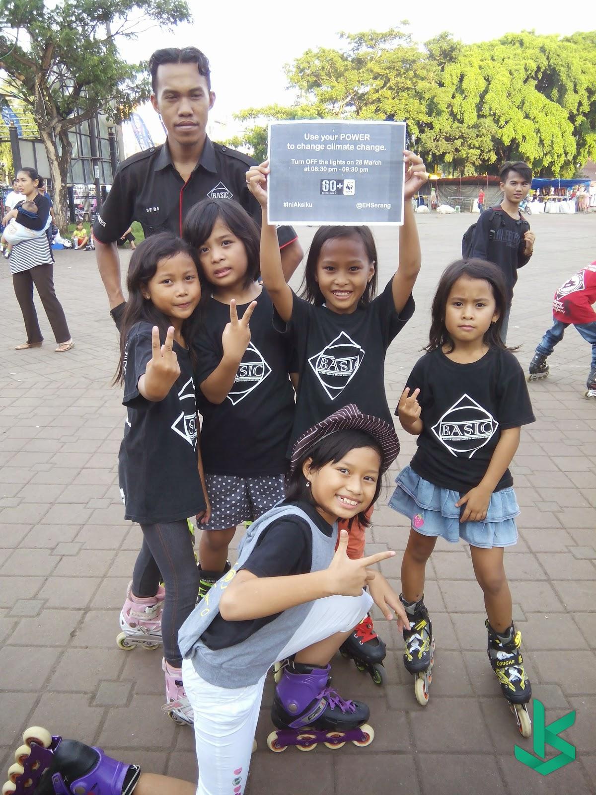 Komunitas Sepatu Roda ikut berpatisipasi Earth Hour SERANG 2015 - 28 Maret 2015