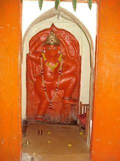 umbraj maruti - 11 Maruti temples akara hanuman darshan