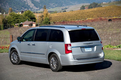 2012 Chrysler Town and Country Exterior