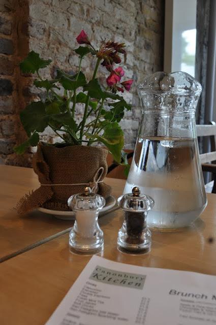 Canonbury+Kitchen+Islington+Upper+Street+review+Italian+restaurant+table