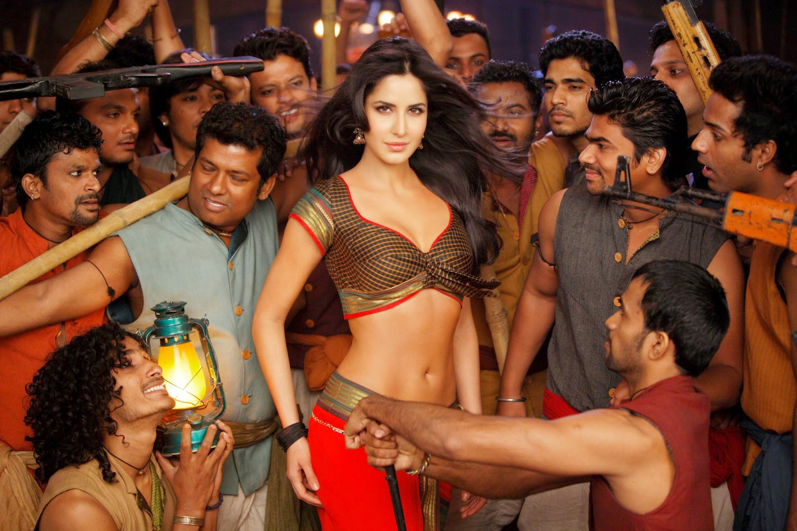 CHIKNI CHAMELI Katrina Kaif Hot On Set Wallpaper