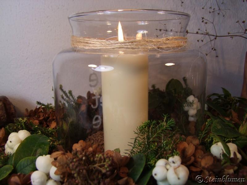 Herbstkranz mit Kerzenglas