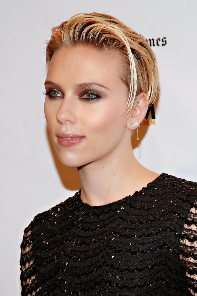Scarlett Johansson looks stunning in LBD at Gotham Awards