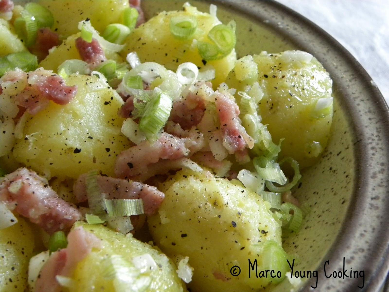 ricetta insalata di patate con pancetta croccante e cipollotto