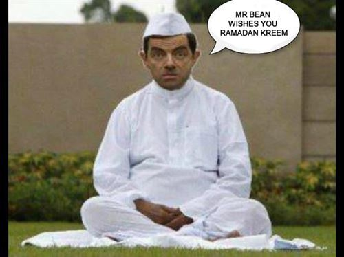 Funny Ramadan Pic With Mr.Bean And Message: Mr. Bean Wishes You Ramadan Kareem