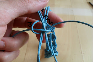 pulsera fácil, tendencia, moda, bisutería, artesanía, trends, algodón encerado, nudos macramé, hecho a mano
