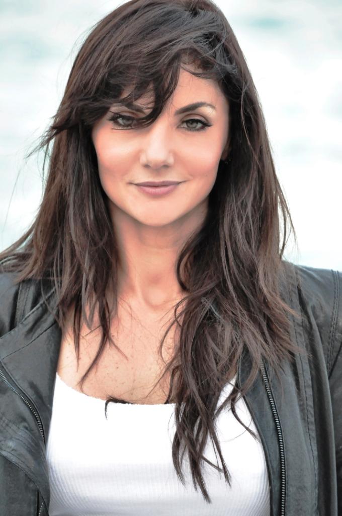 Vamos a ver Sonrisa Vertical con Laura Ferretti | MIAMI EN ESCENA