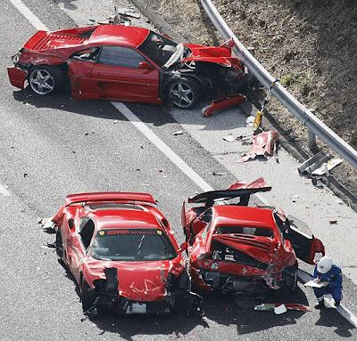 Acidente com Carros de luxo no Japão