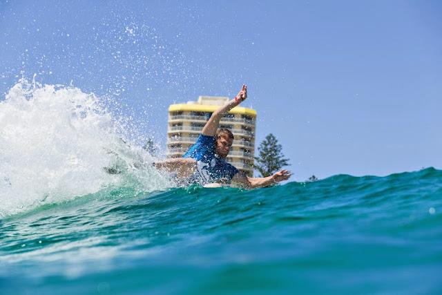 15 Quiksilver Pro Gold Coast 2015 Dane Reynolds Foto WSL Kelly Cestari