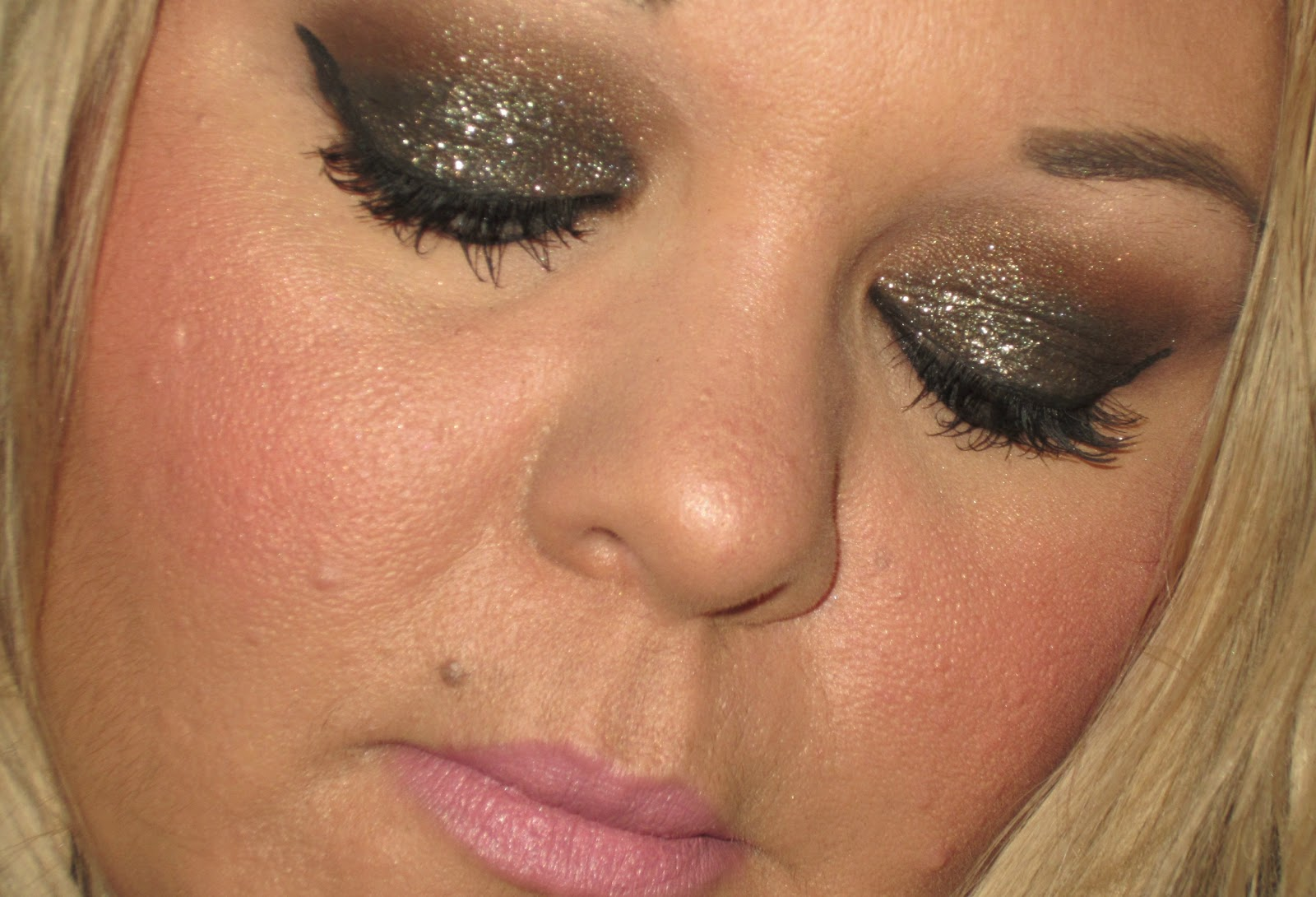 Christmas Party Makeup Ideas Part - 30: MAC U0026 NARS Glitter Party Makeup Look.