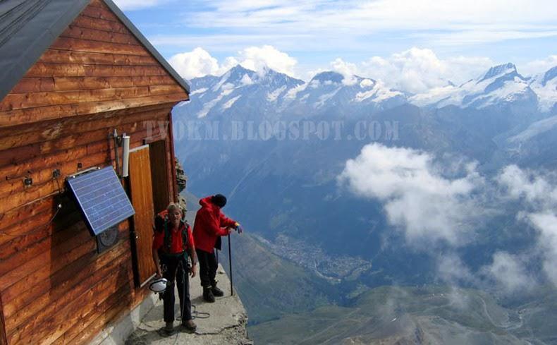 very horrible hut