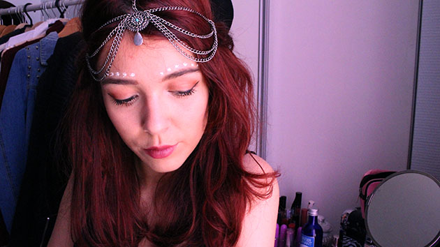 save the friday, festival makeup, dots, white dots makeup, tutorial, boho makeup, coachella, ethnic, gypsy, paint boho tribal, indian makeup,Groovy Trends, Woodstock Festival, lime crime venus palette grunge makeup, aztek, headchain,