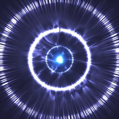 Señal intensa de radio expandiéndose por el cosmos
