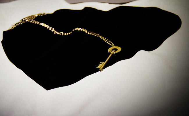 I Found Gallery, Vintage skeleton key necklace, Vintage key, H&M shirt