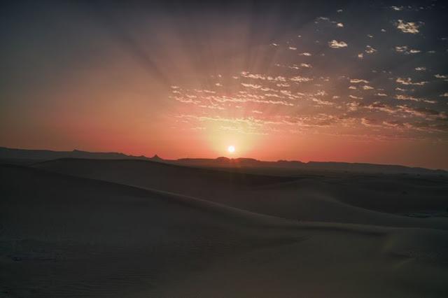 Sonnenaufgang in der Sahara Marokko