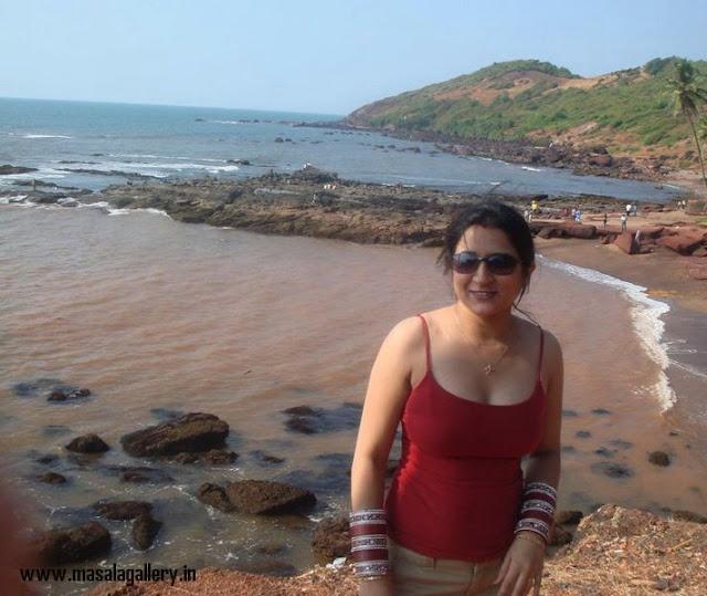 Desi Girls At Beach - MASALA GALLERY Flora Saini