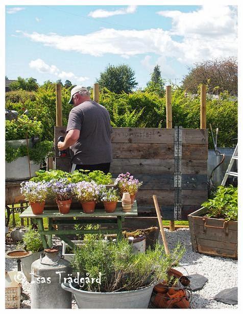 Bygg en pallkragevägg i köksträdgården !