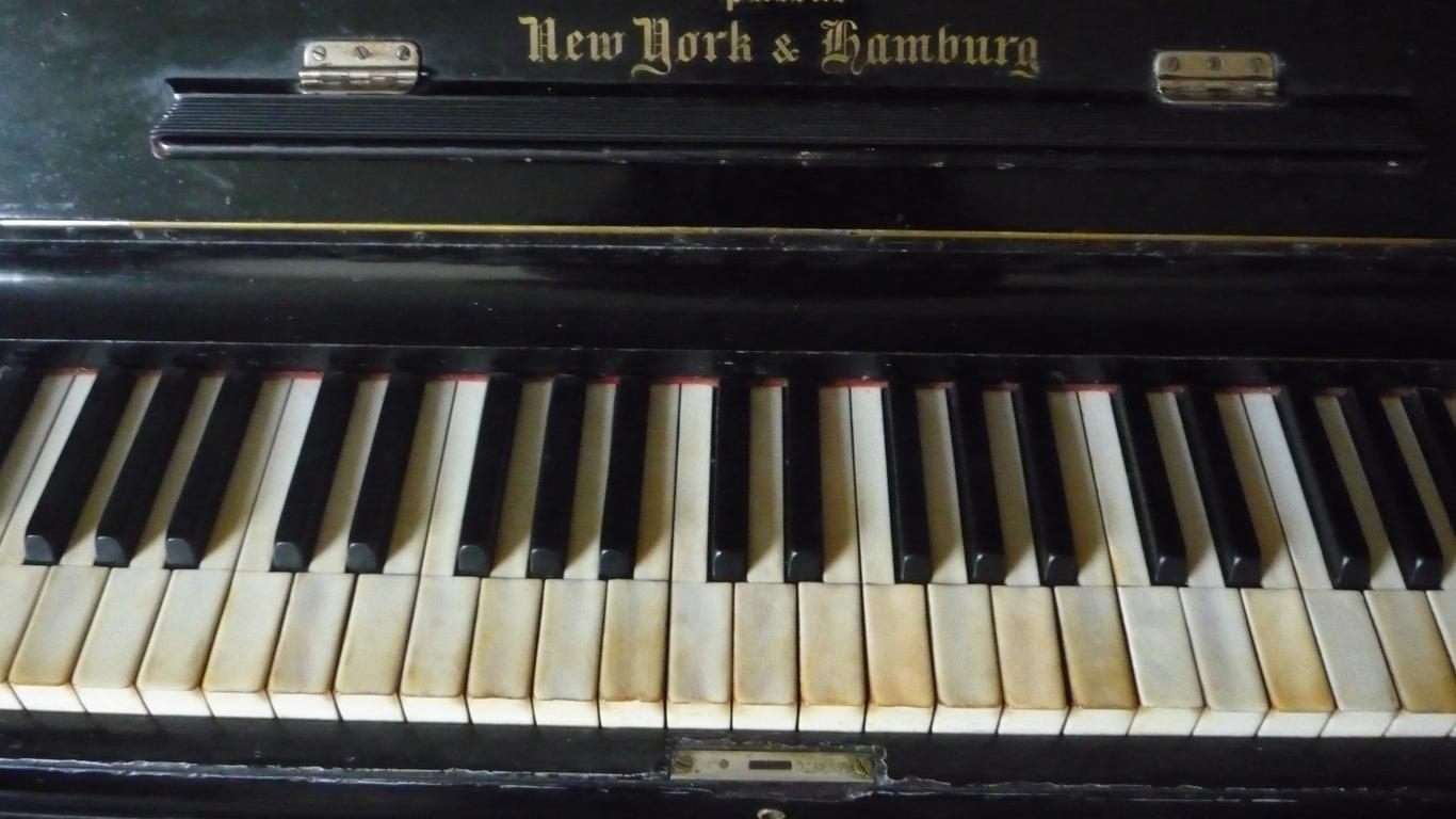 fotos de pianos wallpapers excelentes cursos de guitarra. Black Bedroom Furniture Sets. Home Design Ideas