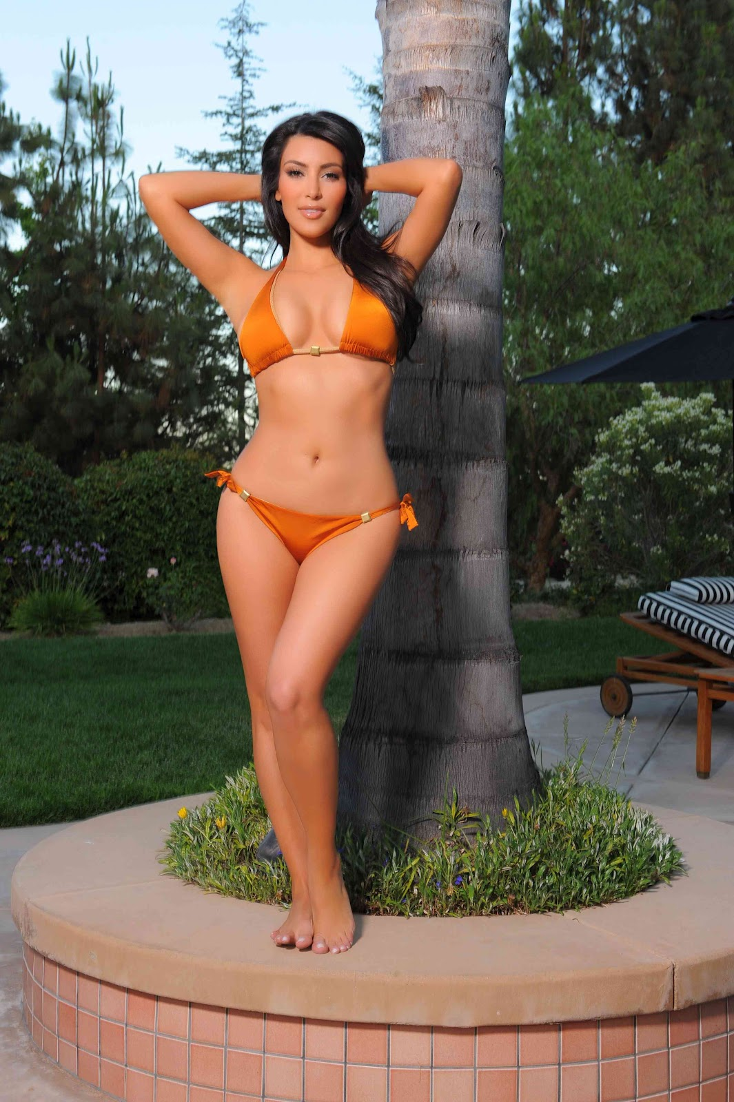 http://2.bp.blogspot.com/-1uLPR7nbWcs/UJHMtuKE-_I/AAAAAAAAdlo/IoEyxD3hLhk/s1600/kim-kardashian-in-bikini.jpg