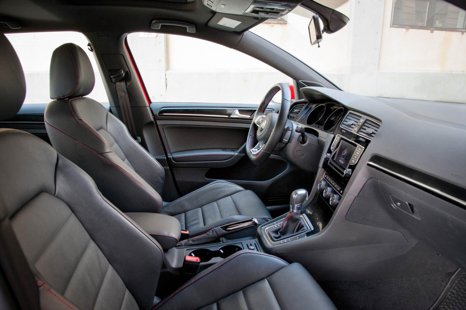 VW Golf GTI EUA - interior