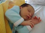 Ester nasceu dia 10/04 através de uma cesárea imposta...