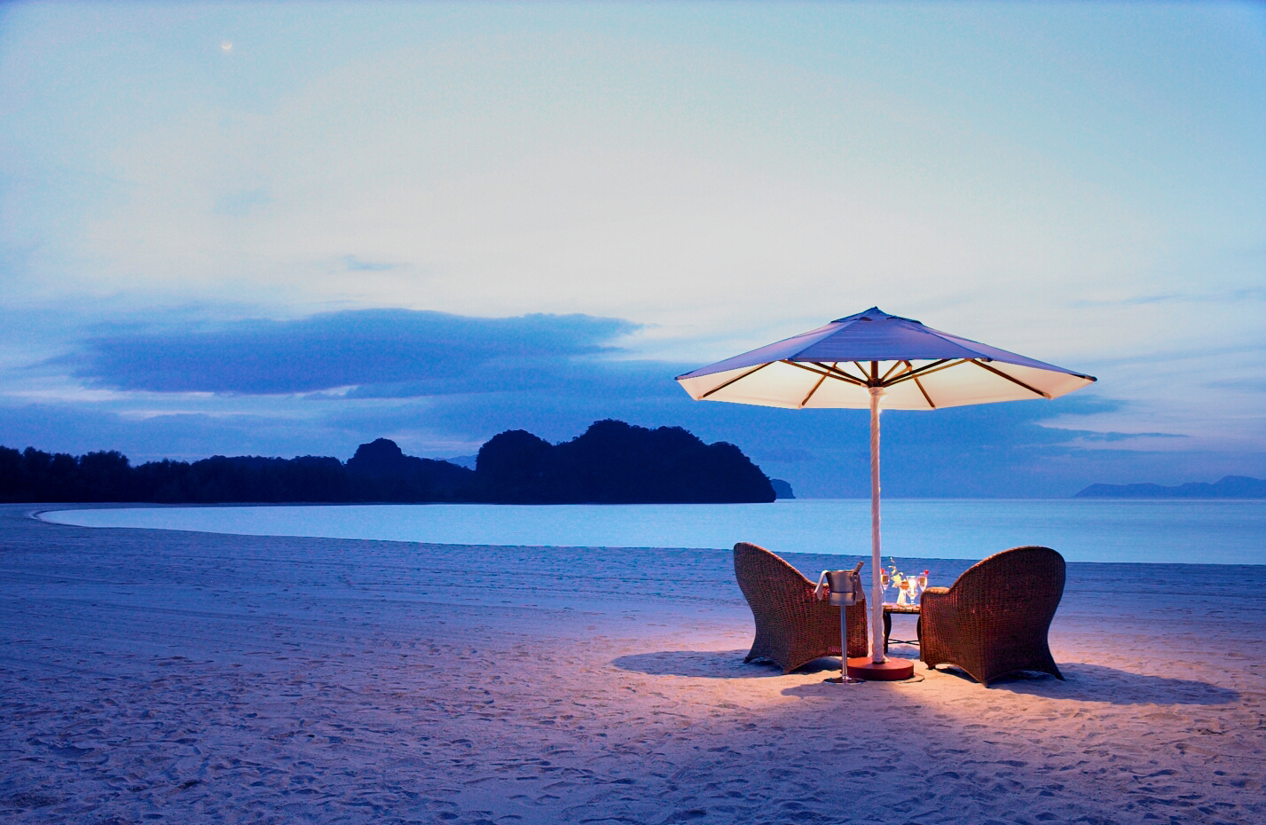 tanjung rhu Results 1 - 10 of 14  find great tanjung rhu resort deals today - save with no hotel booking fees  located in langkawi, this hotel is close to craft cultural.
