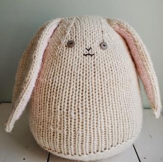 http://translate.googleusercontent.com/translate_c?depth=1&hl=es&rurl=translate.google.es&sl=auto&tl=es&u=http://www.purlbee.com/2012/03/11/whits-knits-big-cuddly-bunny/&usg=ALkJrhhimz2UyecfwDsW-OGdKDWJdaFwdQ