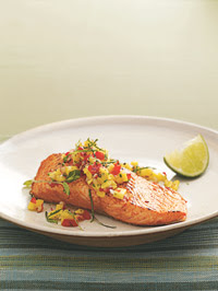 Weight Loss Recipes : Seared Wild Salmon with Mango Salsa