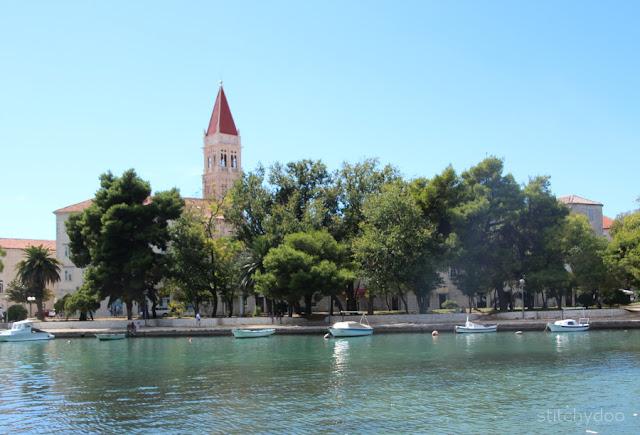 Trogir {Kroatien - Adria - Dalmatien} - Blick auf die Altstadtinsel