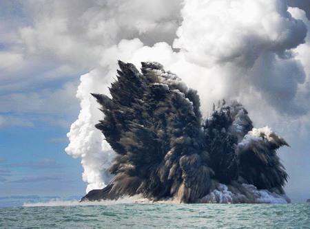 World's Biggest Deep-Sea Volcanic Eruption in 100 years Occured Near New Zealand Underwater-volcano